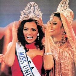 Chelsi Smith Miss Universe