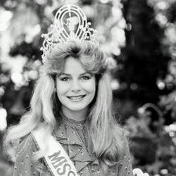 Lorraine Downes Miss Universe