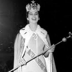 Luz Marina Zuluaga Miss Universe