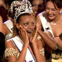 Mpule Kwelagobe Miss Universe